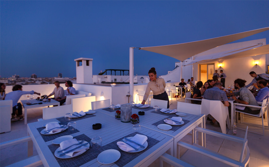 Le ROOFTOP bar et restaurant